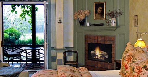 1836 Bridgeton House on the Delaware-Luxurious Guest Rooms & Suites