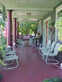 Stay-Inn-Style Bed  Breakfast Porch