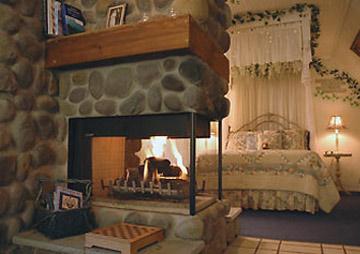 Lazy Cloud Lodge, brander suite