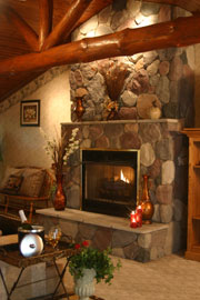 Donna's Premier Lodging-Bridal Suite fireplace