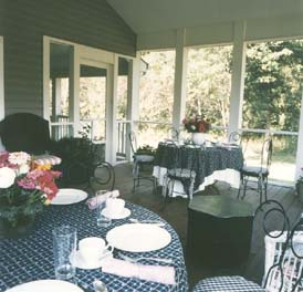 Welcome Hone Inn Bed & Breakfast, Screened-in Porch