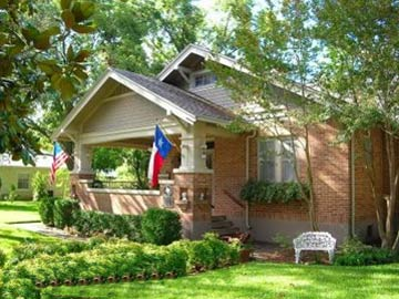 Magnolia House Bed & Breakfast-A Texas Beauty