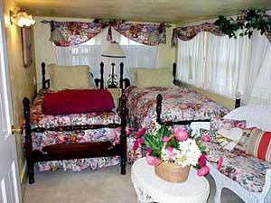 Secret Garden Bed & Breakfast-Almira Room