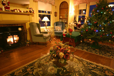 The Brewster Inn-living Room during winter