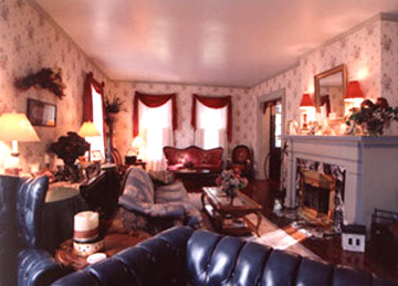 Loganberry Inn Relax in the Parlor