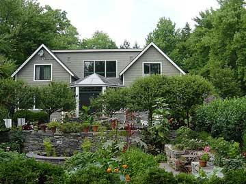 Hidden Gardens Bed & Breakfast - Hinesburg, Vermont