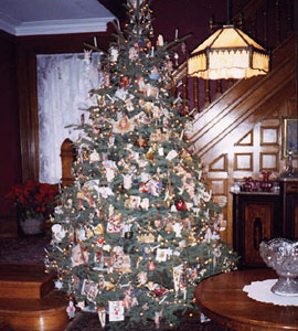 The Gables A Victorian Bed & Breakfast-Our Christmas Tree