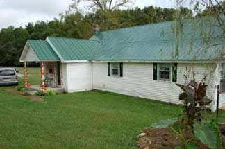 The Enoch's Farm House Inn Bed & Breakfast-McEwen, Tennessee