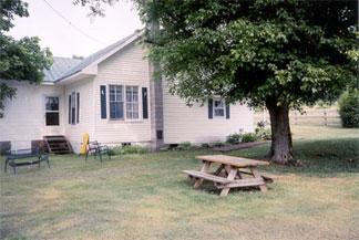The Enoch's Farm House Inn Bed & Breakfast, backyard
