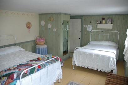 Morrill Farm Bed & Breakfast-Carolyn's Room