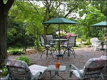 Bernadine's Stillman Inn, Beautiful Grounds