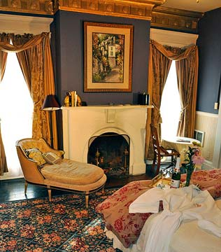Bernadine's Stillman Inn, Dreams of the Past