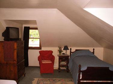 Blue Heron Bed & Breakfast Dormer Room