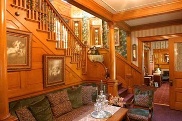 Oakenwald Terrace staircase