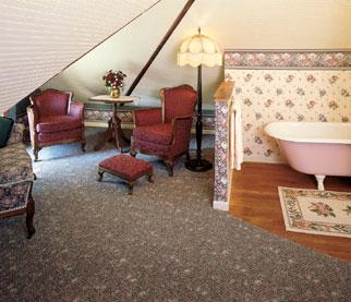 Hasseman House Bed & Breakfast-Attic (Honeymoon Suite) Bath
