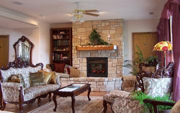 Hummingbird Inn Bed & Breakfast Living Room