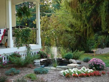 Monroe Manor Inn B&B,  Garden