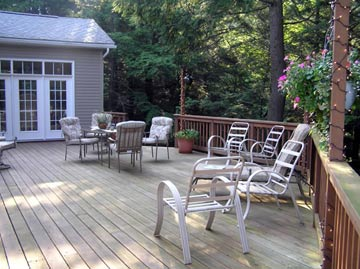 Seven Sisters Bed and Breakfast at McEwen Falls porch