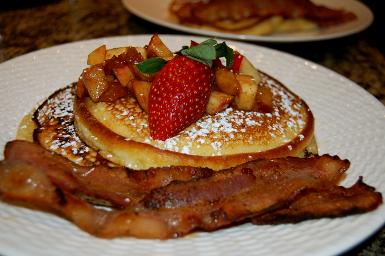 Sweetwater Farm-Enjoy A Delicious Breakfast