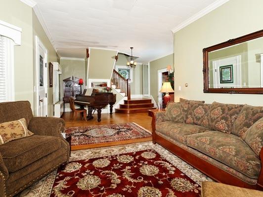 The Rose Cottage Bed & Breakfast living room