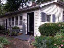Pinecrest Cottage & Gardens