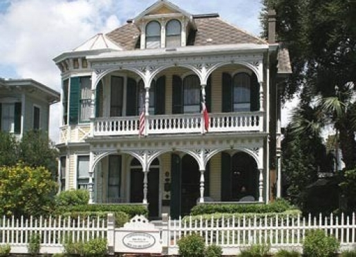 Welcome to Coppersmith Inn Bed & Breakfast