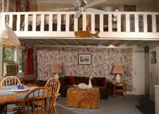 All modern conveniences, set in history. The Lamb's Retreat is a converted horse stable!
