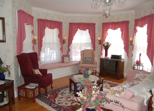 Comfortably decorated with antiques