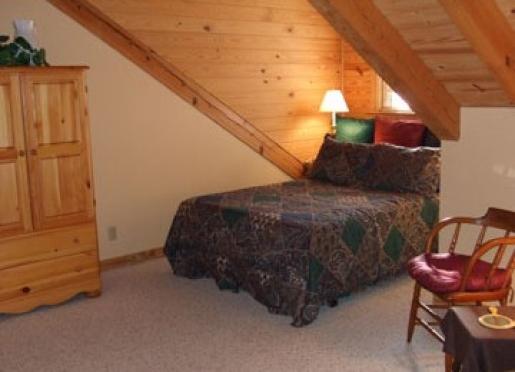 Quigley 39 s log home b b hudson michigan southeast for Hudson log