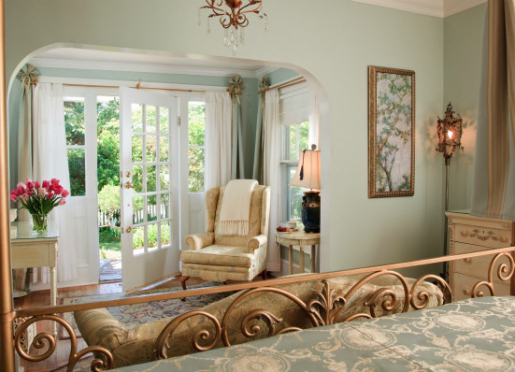 The Garden Room, the only guest room on the first floor, has a private entrance as well as garden.