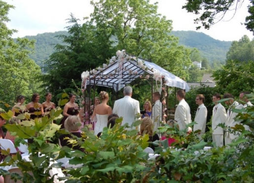 Mountain view destination weddings, banquet room. Inclusive packages for savings.