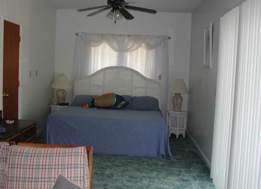The Nautical is the largest cottage with kitchen, king size bed and Jacuzzi