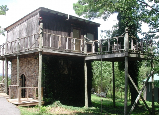 Treehouse with its own private deck.