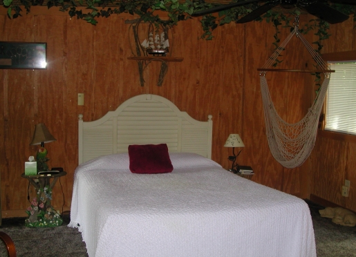 The Tree house has a Queen size bed and Jacuzzi tub.