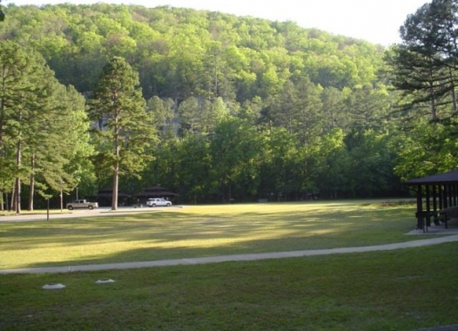Picnic Area at Blanchard Springs Caverns Recreational Area