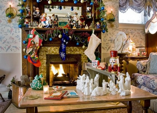 Holiday warmth and charm abound at Holden House during the Christmas season...