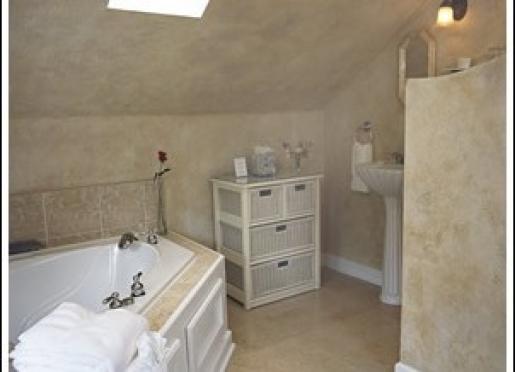 Sunshine Room Bath