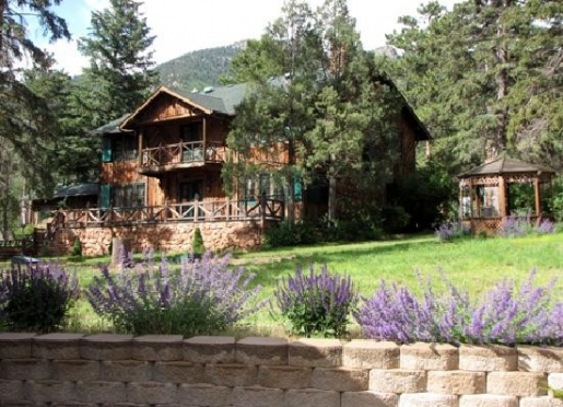 Colorado Bed and Breakfast Lodge at Pikes Peak near Colorado Springs