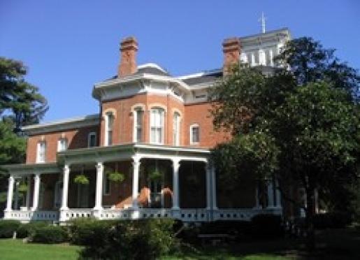 Pinehill Inn - Oregon, Illinois