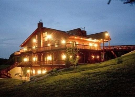 Harpole's Heartland Lodge - Nebo, Illinois
