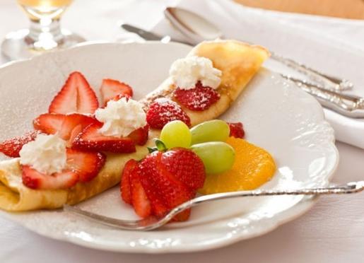 Swedish Pancakes with Strawberries
