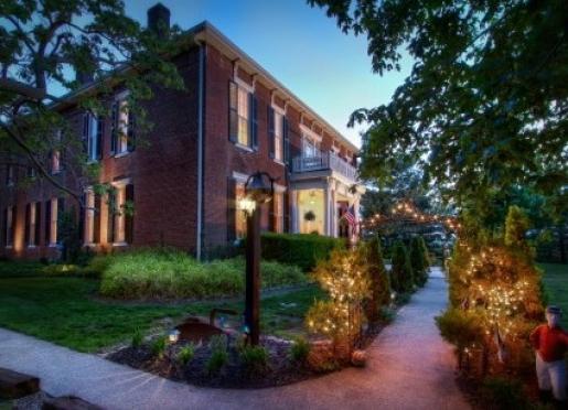1851 Historic Maple Hill Manor B&B - Springfield, Kentucky