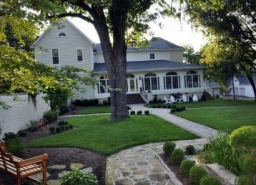 A Storybook Inn - Versailles, Kentucky