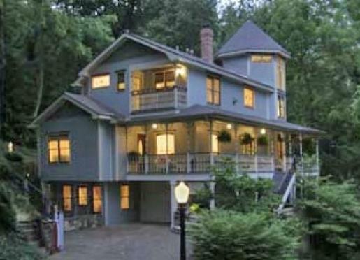 Arsenic & Old Lace B&B Inn - Eureka Springs, Arkansas