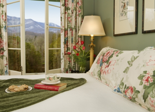 Wake up to the mountains at Buckhorn Inn.