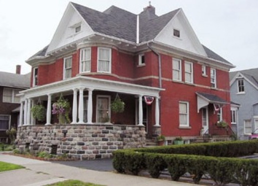 Palmer House Inn Bed & Breakfast - Albion, Michigan