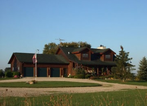 Quigley's Log Home Bed & Breakfast - Hudson, Michigan