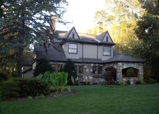 North Lodge on Oakland Bed and Breakfast - Asheville, North Carolina