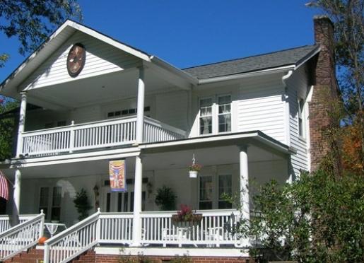 Buffalo Tavern Bed and Breakfast - West Jefferson, North Carolina