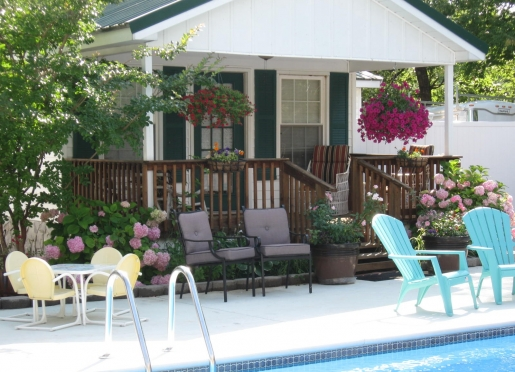 Pool Cottage Front Porch